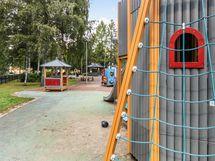 Särkiniemen leikkipuisto.