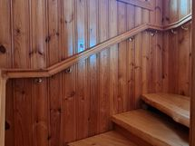 aulasta portaat yläkertaan...