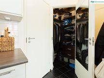 Vaatehuone on oikea tilaihme ja helppo pitää garderobi järjestyksessä
