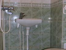 Pesuhuoneessa lattialämmitys