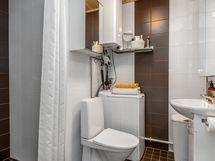 Pesuhuone remontoitu 2014