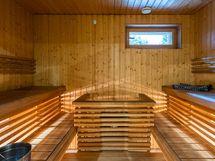 Ikkunallinen iso sauna, Hetivalmis kiuas