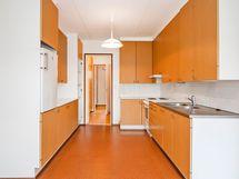 Kuva keittiöstä.