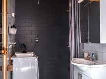 Kylpyhuone/wc remontoitu 2009