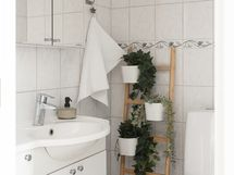 Alakerrassa on tilava erillinen wc