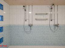 2006 saunaosasto saneerattu ja kaksi suihkua