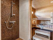 Kylpyhuone ja sauna - Bathroom 1 and sauna