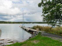 yhteisrannan uimaranta