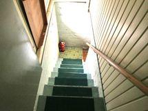 Kellarin portaikko