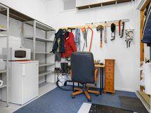 Tallissa on omalla sisäänkäynnillä pieni varastohuone