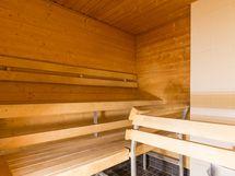 Taloyhtiön sauna.