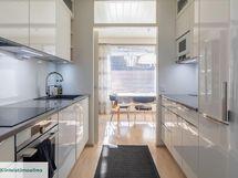 Korkealaatuinen keittiö