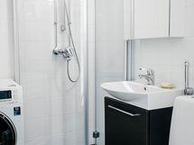 Kylpyhuone on uusittu putkiremontin yhteydessä