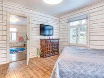 Keittiön viereinen makuuhuone