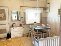 alakerran keittiö