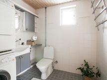 Alakerran wc / kodinhoitotila