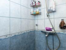 Kylpyhuone suihku