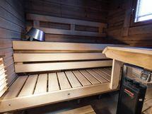 Ikkunallisessa saunassa Helon Heti valmis -kiuas
