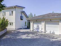 Talo ja autotallit