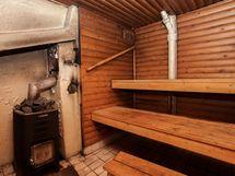 Kellarin saunatilat kaipaavat remonttia