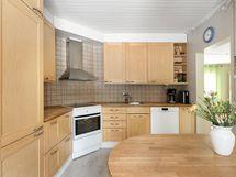 2009 remontoitu keittiö
