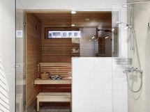 Rentoudu omassa saunassa