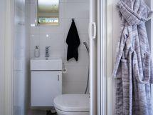 Kodinhoitohuoneessa on wc
