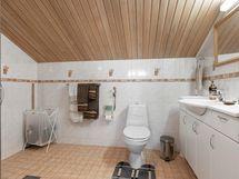 Kylpyhuone yläkerta