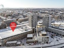 Pysäköintihalli sijaitsee Puutarhakadulla Kuopion Portin taloyhtiöiden ja uuden Matkakeskuksen yhteydessä.