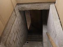 portaat kellariin