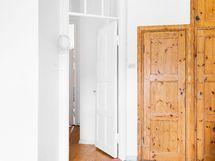 Keittiön kaunis vanha ovi