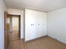 makuuhuone 1 kaapisto