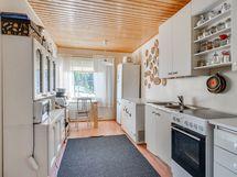 Laajennusosan keittiö