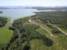 Tontti Hevoshaan kääntöpaikan ja Störsvikintien välissä.