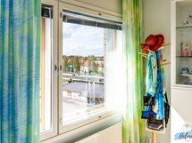 Näkymä makuuhuoneen ikkunasta
