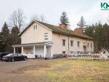 Asuinrakennus valmistui 1952