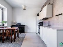 Mielettömän kokoinen keittiö