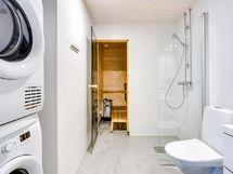 Kylpyhuoneessa paikka pesutornille