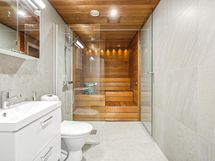 Laadukkaasti varusteltu kylpyhuone/wc/sauna
