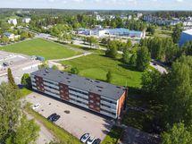 Koulu ja päiväkoti lähellä sekä monipuoliset ulkoilumaastot ympärillä.