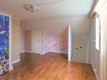Yläkerran aula / makuuhuone