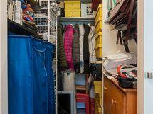 Lämmin varastotila alakerrassa (iso vaatehuone)