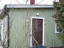 Ulkorakennuksen sauna/autotalli