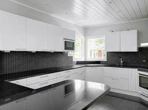 Moderni ja laadukas keittiö