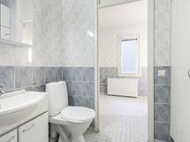 wc ja iso kylpyhuone
