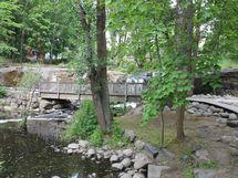 Strömbergin puisto ja koski