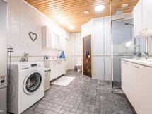 Kylpyhuone+sauna
