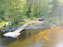 uimapaikka reilu 1km päässä