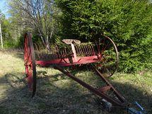 Maatalouskone, hevosvetoinen haravakone
