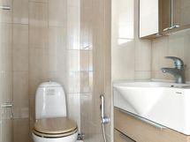 Erillinen wc tuo sujuvuutta arkeen.